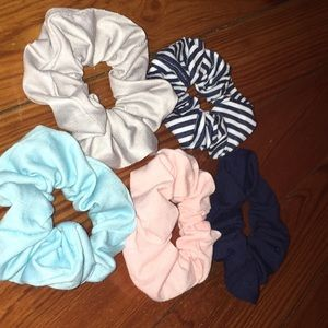 5 Scrunchie hair ties